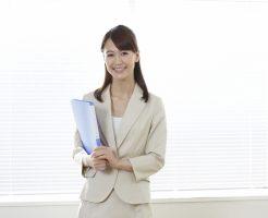 対人恐怖症で悩んでいる会社員の女性