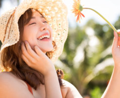 幸せを願い、太陽のように明るく、誰に対しても平等に接する優しすぎる女性