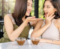 親しい友人関係になっても、ずっと敬語を使い続ける女性