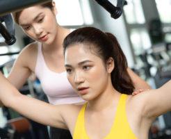 健康志向が高く筋トレが好きな若い女性